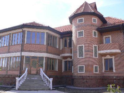 Коммерческая недвижимость отдельно стоящего здания 865 м² в Борисполе на С.большая Александровка | Hiworking.com