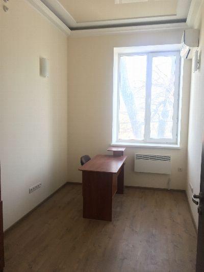 Коммерческая недвижимость 13 м² в Одессе на Дальницкая | Hiworking.com