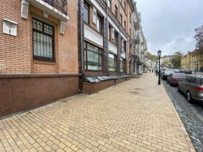 Аренда  коммерческого помещения 130 м² в Киеве на Андреевский Суск   Hiworking.com