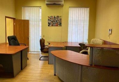 Коммерческая недвижимость офиса 100 м² в Киеве на Артема | Hiworking.com