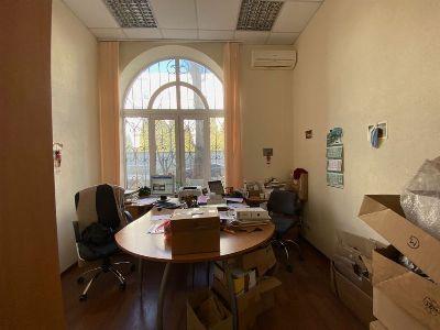 Коммерческая недвижимость офиса 95 м² в Киеве на Старокиевская | Hiworking.com